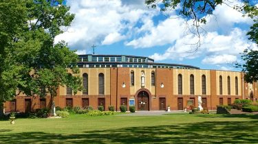 Kisah Tragis Dibalik Megahnya Kuil Nasional Lady Of Martyrs Roma Di auriesville Amerika